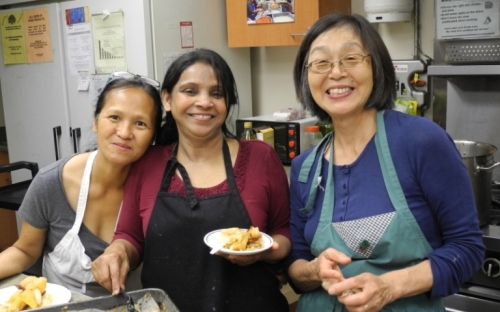 From left, Maria (Philippines), Nafisa (Bangladesh), Taeko (Japan) ready to serve the cobbler.