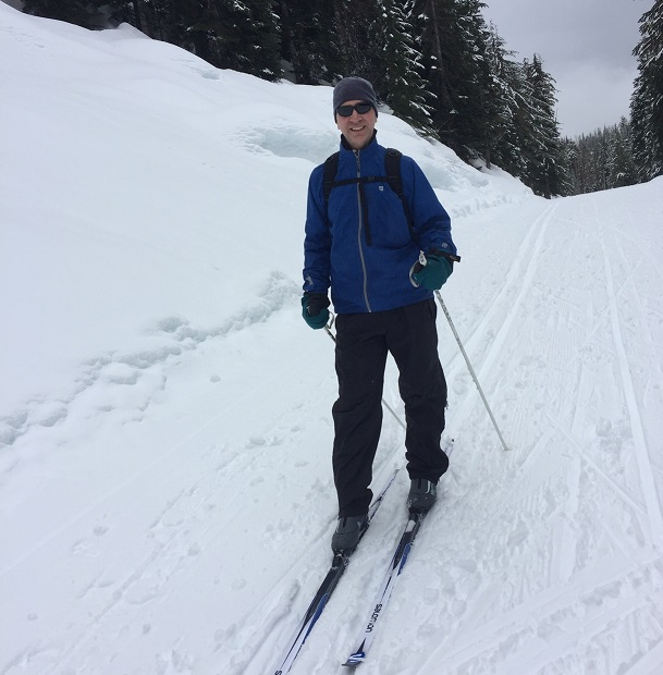 Cross-country skiing is an easy way for beginners to enjoy snow sports. Photo by Julie Cheng
